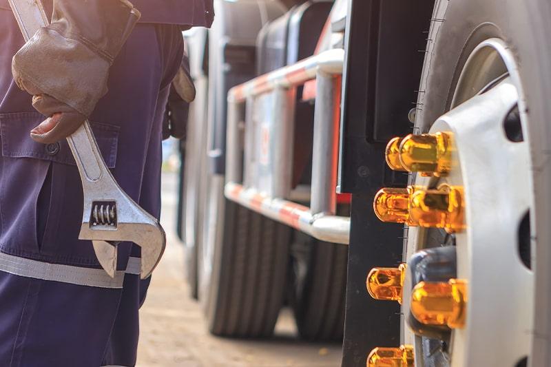 King_Truck Trailer Repair_Careers_800x533px_03-min